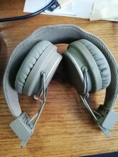 Powerful Urbanears Foldable Headphone + monster cable
