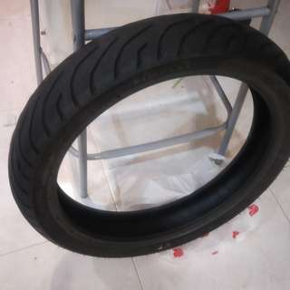 Pirelly front tyre!!