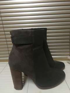Aldo ankle boots 8