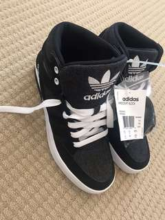 BNWT Adidas high top shoes