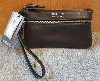 *SOLD* *NEW* Kenneth Cole Wristlet