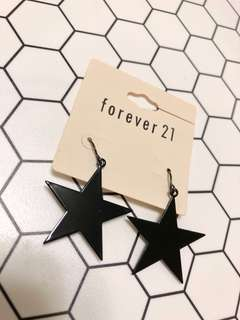 🚚 forever 21 黑色星星耳環