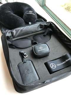 Mercedes Benz travel kit (轉插,頸枕,行李帶,行李牌,眼罩)