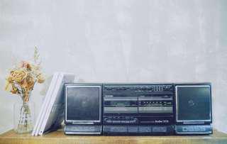 Vintage/Retro Toshiba Boombox Radio