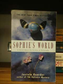 SHOPIE'S WORLD - JOSTHEIN GAARDER