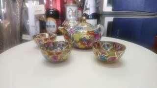 廣彩薄胎茶壺連杯3隻