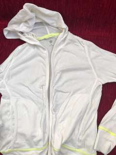 Uniqlo light jacket (120cm)