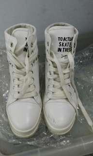 🚚 白色增高高統鞋