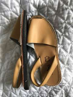 NEW Tan Leather Spanish Sandals 36