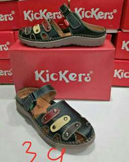 Kickers sandal sepatu wanita