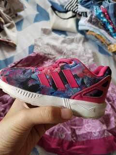 Adidas shoes size 5.5 for toddlers