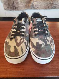 *NEW* VANS Atwood Sneakers