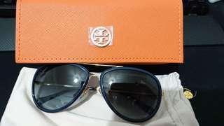 Authentic Tory Burch Aviator Sunglasses