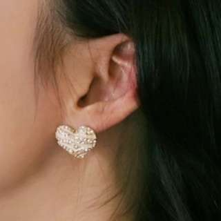 Heart white earrings