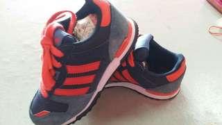 kasut budak adidas