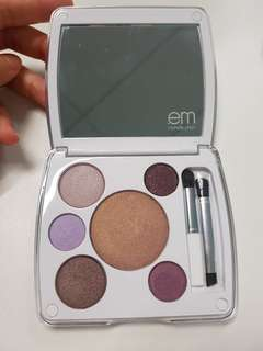 🚚 Em Cosmetics by Michelle Phan Shade Play Artistic Eye Color Palette in Shanghai Lavenders