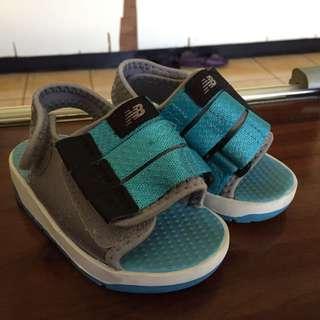 🚚 New balance 小童 魔鬼氈涼鞋 13.5cm