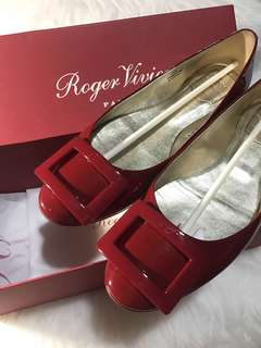 Roger Vivier Flats Classic Red Patent Leather size 38