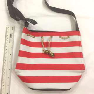 🚚 Nautical red and white striped bucket sling bag #caroupay