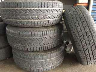 Used tire 265 x 70 r16 with rim