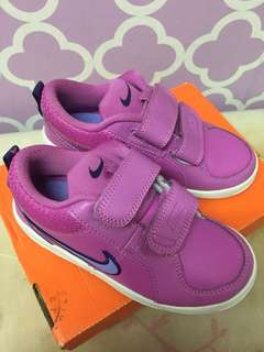 Nike Girl Sneakers/Shoes in Purple