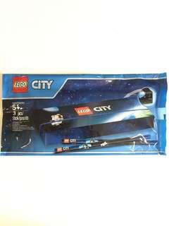 Lego City stationary set - pencil case & 2 pencils