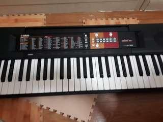 Keyboard yamaha F51