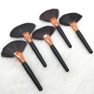 Fan Makeup Brush