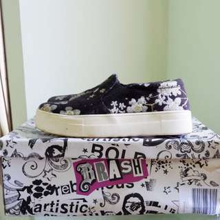payless slip on flowers size 37,5