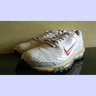 Sepatu Nike airmax 2003