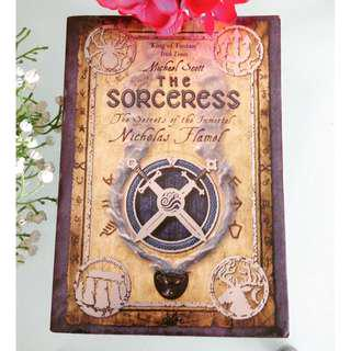 The Sorceress The Secret of The Immortal Nicholas Flamel by Michael Scott Eng Ver