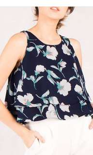 Annie Floral top by onycha