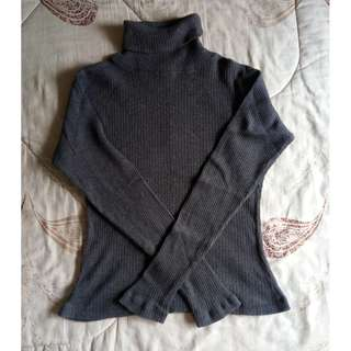 Turtleneck Sweatshirt/ Sweater