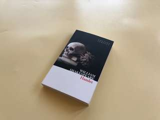 Hamlet - William Shakespeare Novel Import