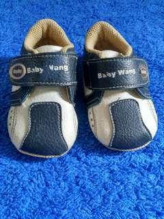 Baby wang shoes
