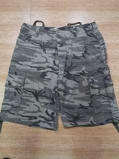 Bench camo army shorts