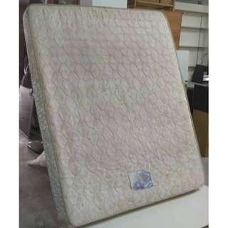 Tilam Queen Spring Mattress Washed * L42 L