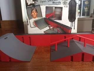 Tech Deck Ramp