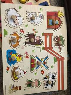 Educational wooden animal puzzle