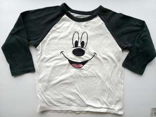 PRELOVED UNIQLO BABY Mickey Black and White Long Sleeves T-shirt - in good condition but with minor flaw