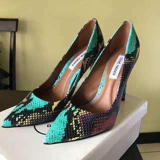 Pointed heels