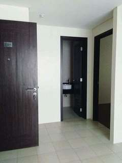 For Sale brand New 2 BR 38SQM 245k DP, 33k Monthly RFO Rush Move in Boni Mandaluyong