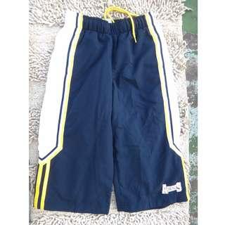 🚚 正品 adidas 藍色 男女童 五分運動褲 size: 128cm