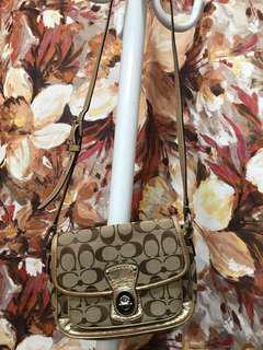 Authentic COACH shoulder bag pouchette
