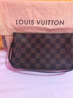 LOUIS VUITTON Damier Canvas Navona Accessories Pochette Bag