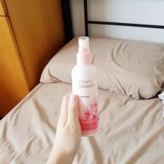 the face shop super size cherry blossom clear hair mist