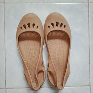 Sandal Coklat Crocs