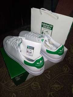 SALE! ORIG.STAN SMITH MADE IN INDONESIA/VIETNAM WITH PAPER BAG AND EXTRA LACE
