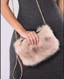 Fashion Nova - Mauve fur clutch