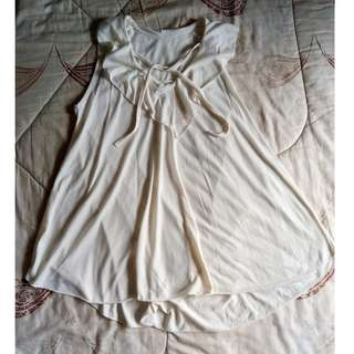 White Sleeveless Long Top